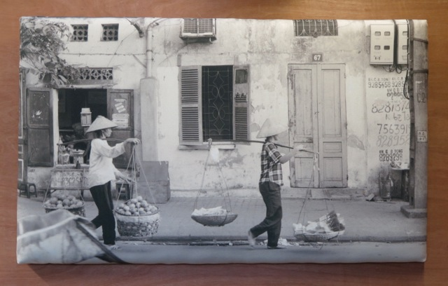 hanoi-street-traders